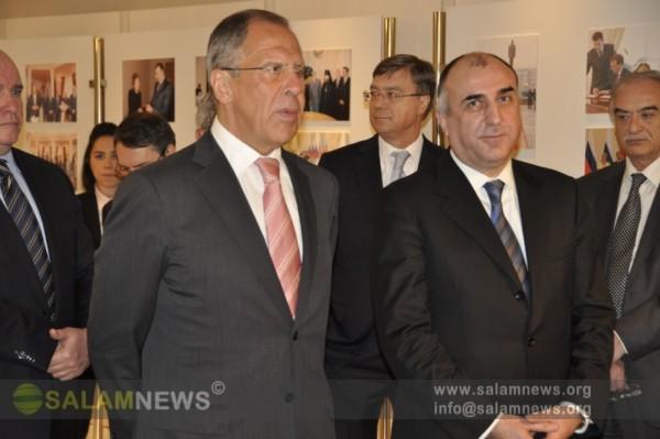 В Баку в связи с 20-летием установления дипломатических отношений между Азербайджаном и Россией проведена выставка