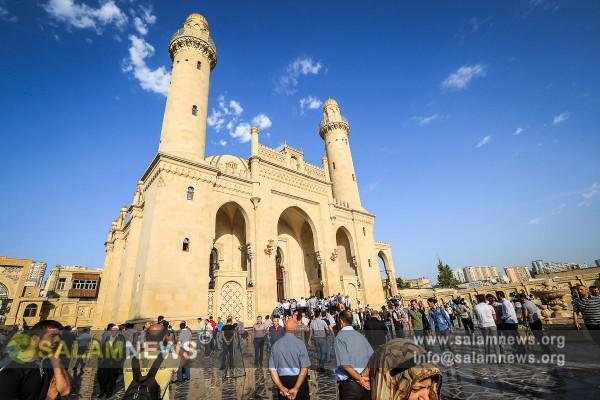 В Азербайджане отмечают праздник Гурбан байрамы