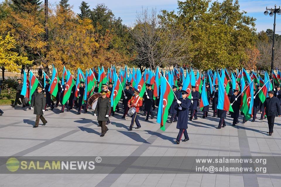 """В Баку состоялось """"Шествие флага"""""""