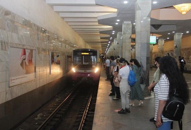Bakı metrosu 226 gün sonra...