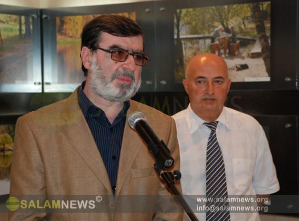 В Баку открылась выставка работ сотрудника ИА SalamNews