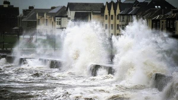 Мощнейший шторм вСША: необошлось без жертв