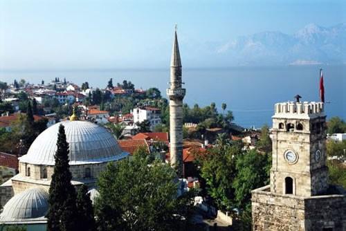 Руководителя ГенштабовВС РФ, Турции иСША проводят трёхстороннюю встречу вАнталье