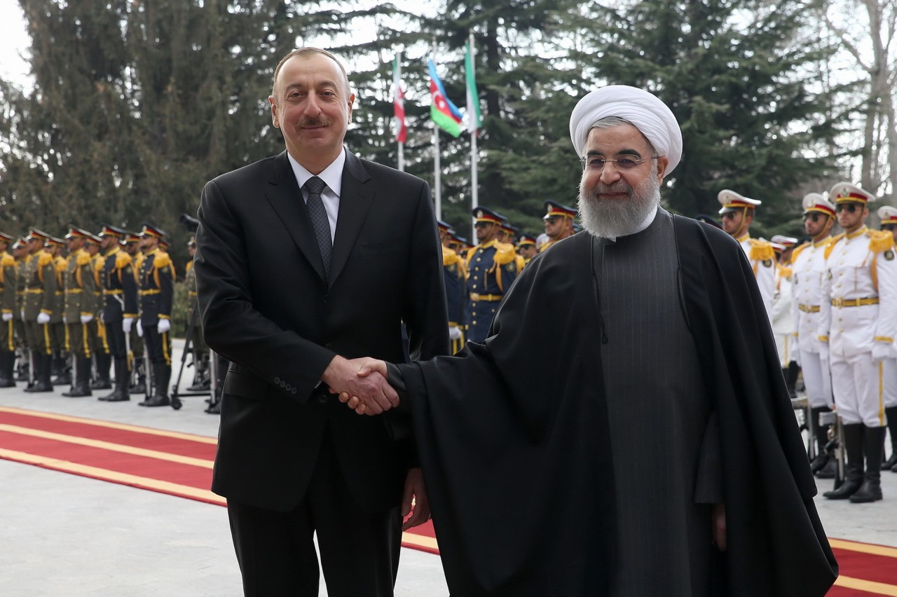 Президент Азербайджана Ильхам Алиев прибыл с официальным визитом в Иран