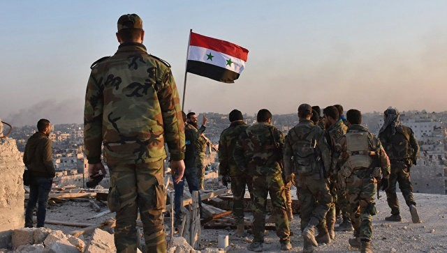 Армия Ливана обеспечивает выезд беженцев излагерей награнице сСирией
