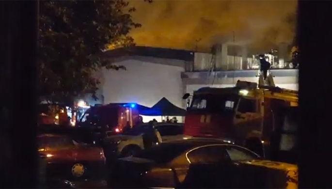 Насгоревшем складе пластиковых изделий найдены тела 8-ми пожарных