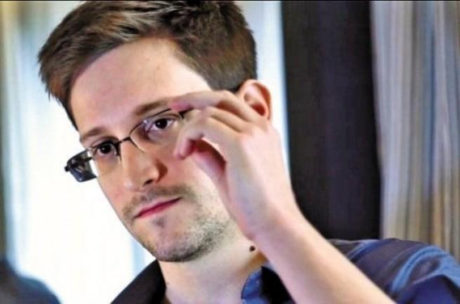 Съезд обвинил Сноудена, Сноуден осуждает съезд