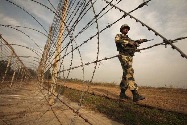 Индия иПакистан шесть часов обменивались артобстрелами