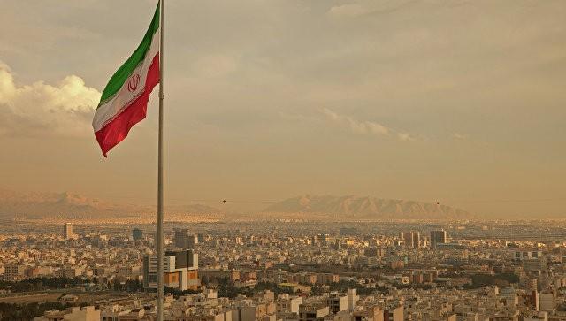 ИранскийЦБ впервый раз позволил банкам выдавать кредитные карты