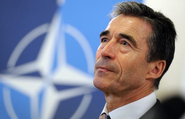 Экс-генсек НАТО призвал США активнее мешаться вмировые споры