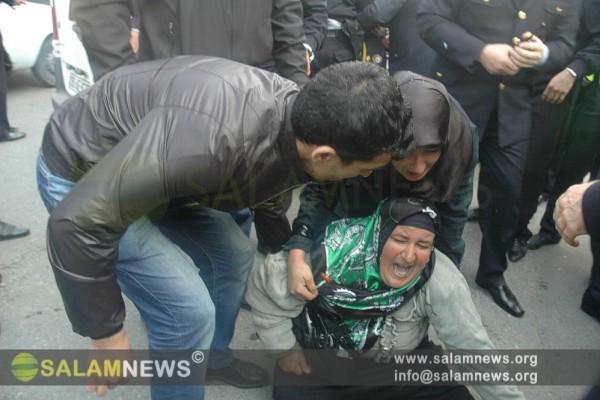 В Баку проходит акция протеста против запрета на ношение хиджаба в средних школах