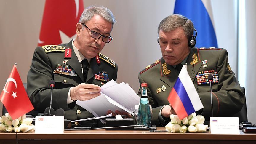 Шойгу обсудил стурецкими генералами ситуацию наБлижнем Востоке