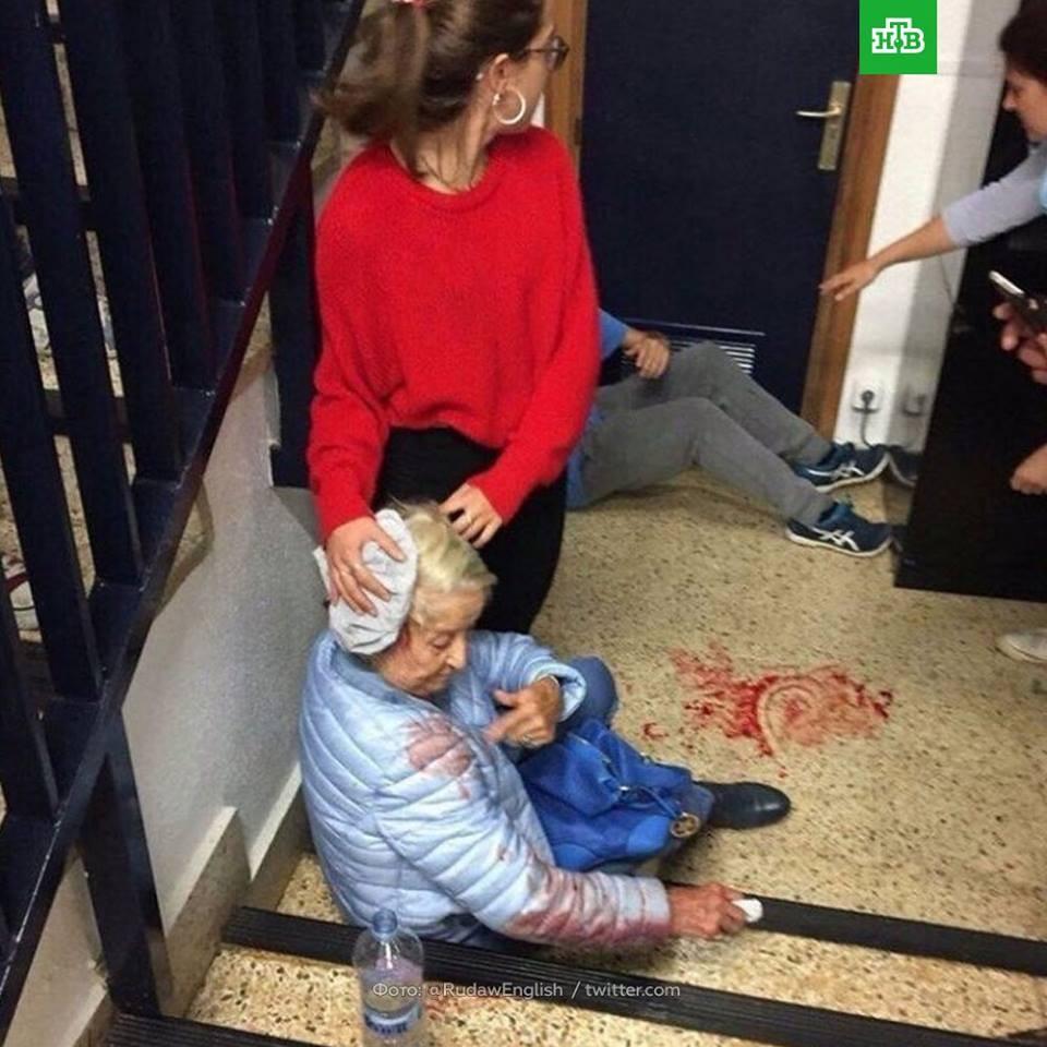 ВКаталонии вооруженный мужчина ранил 2-х человек наизбирательном участке