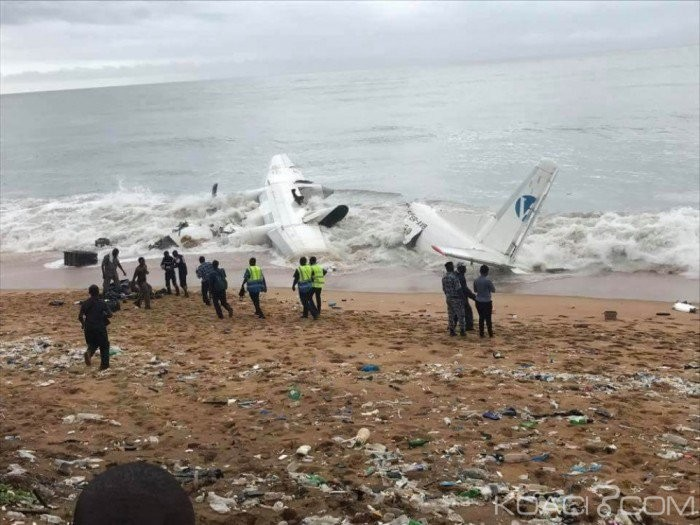 Украинский грузовой самолет рухнул вморе вблизи Кот-д'Ивуара