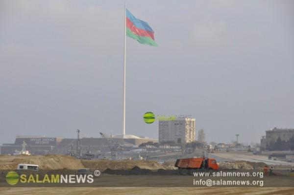 Ремонтируется дорога, связывающая бакинский Парк-Бульвар с площадью Государственного флага