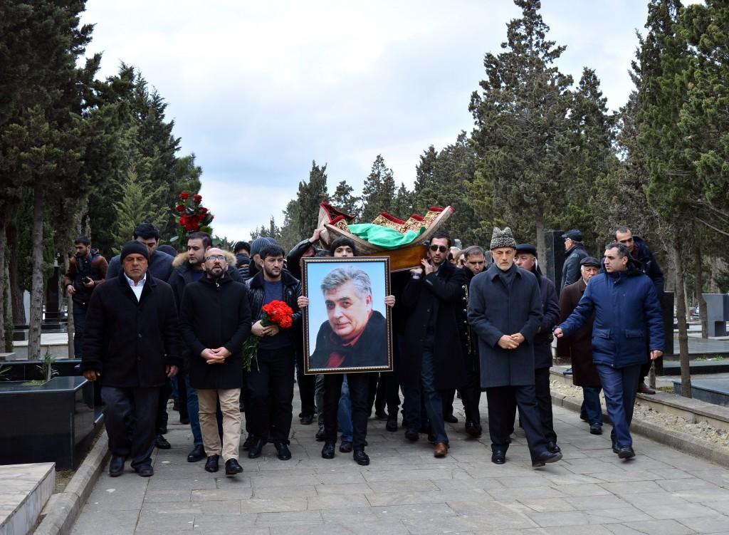 Xalq artisti Rafael Dadaşov son mənzilə yola salınıb