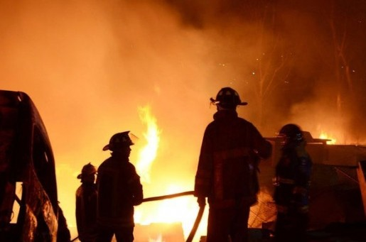 В торговом центре Баку произошел сильный пожар