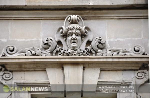 Рельефы облицовки зданий Баку являются памятью прошлого