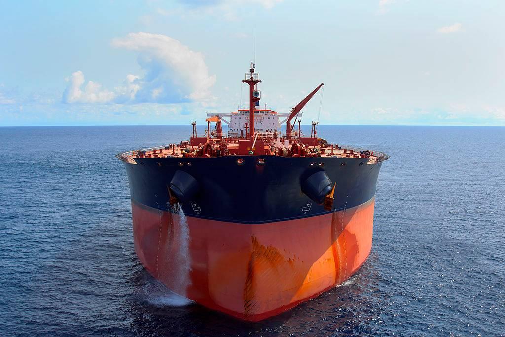 Нефтеналивное судно картинка
