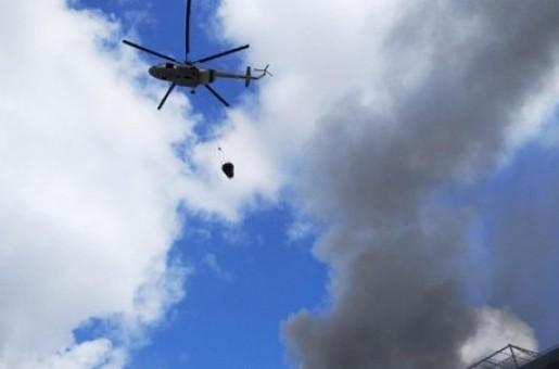 К тушению пожара на рынке в Баку привлечены вертолеты МЧС и самолет-амфибия «Бе-200ЧС»