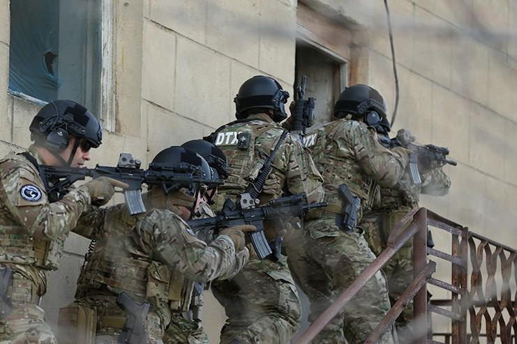 СПЕЦОПЕРАЦИЯ: Радикалы готовили теракт вАзербайджанской столице, группировка уничтожена
