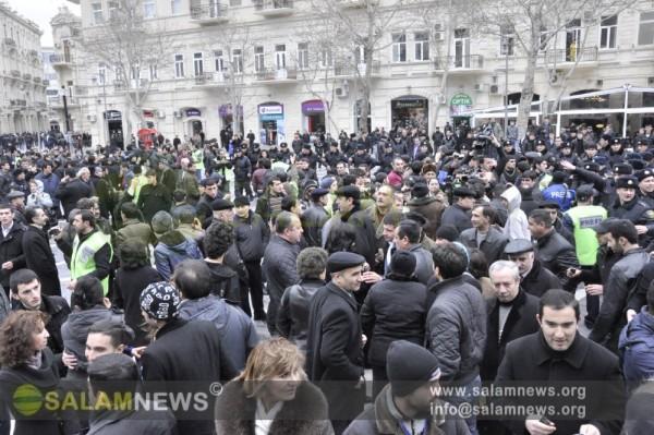 К разгону акции протеста в Баку подключился спецназ