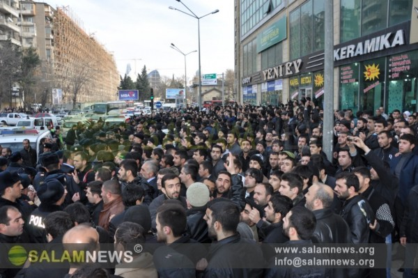 Полиция жестоко избила верующих, протестующих против запрета на ношение хиджаба в школах