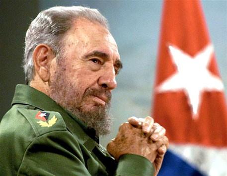 Фидель Кастро появился напублике в собственный 90-й день рождения