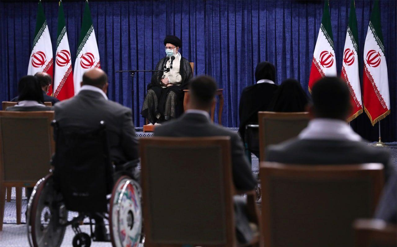 Имам Хаменеи призвал молодежь не поддаваться на враждебные кампании психологического давления