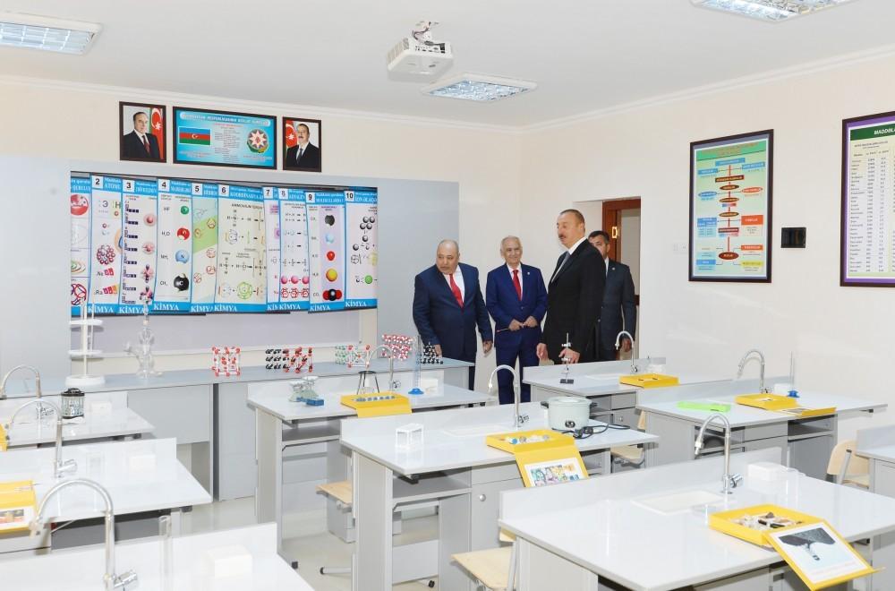 Чавушоглу: Турция поддерживает целостность Азербайджана иГрузии