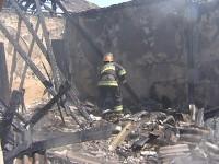 Gəncədə yaşayış evi yanıb (FOTO)