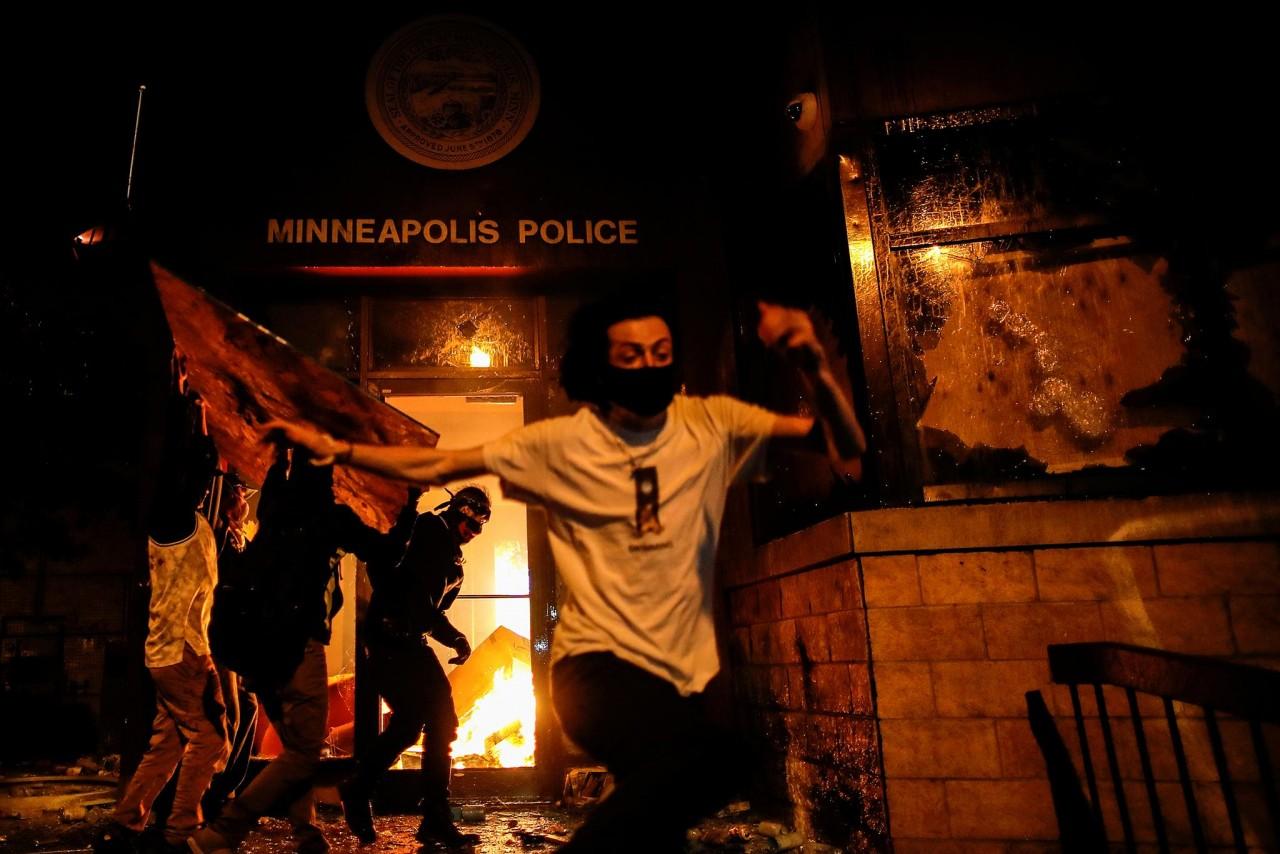 Американская трагедия: страх и ненависть в Миннеаполисе