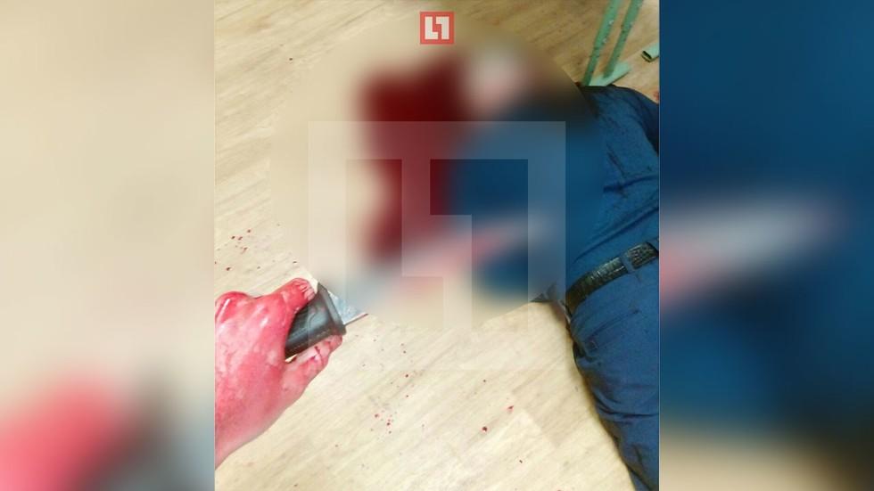 Московский ученик перерезал педагогу горло ивыложил селфи субитым в«ВКонтакте»