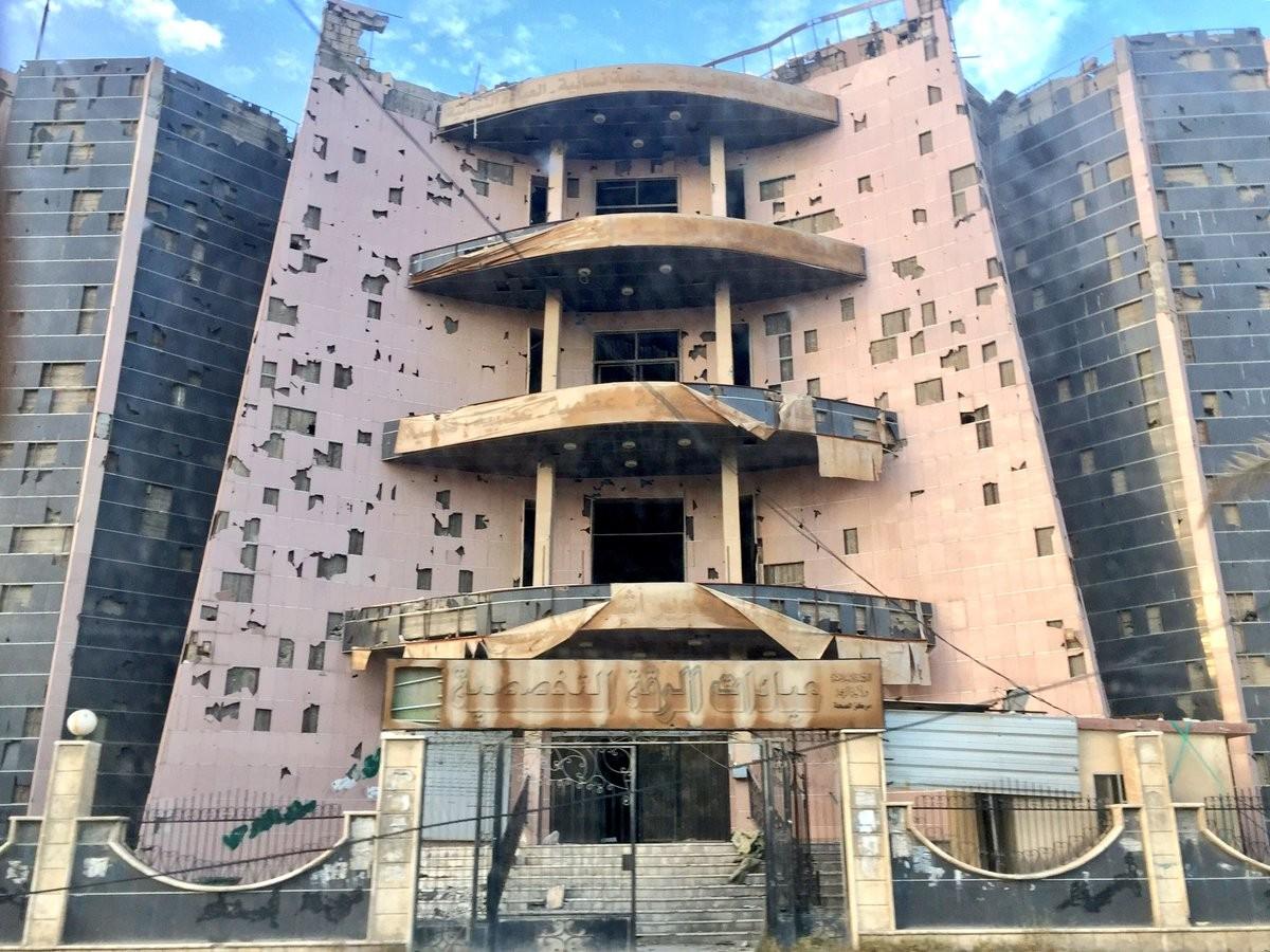Боевики ИГ* заминировали практически каждое сооружение вцентре Ракки перед уходом