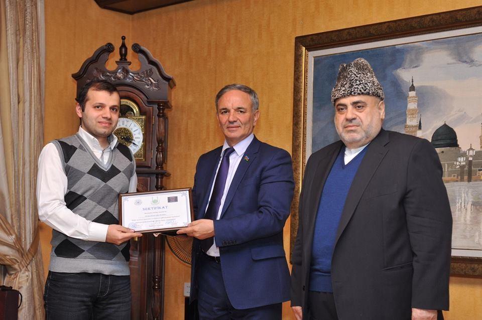 SalamNews-un əməkdaşı QMİ tərəfindən mükafatlandırılıb