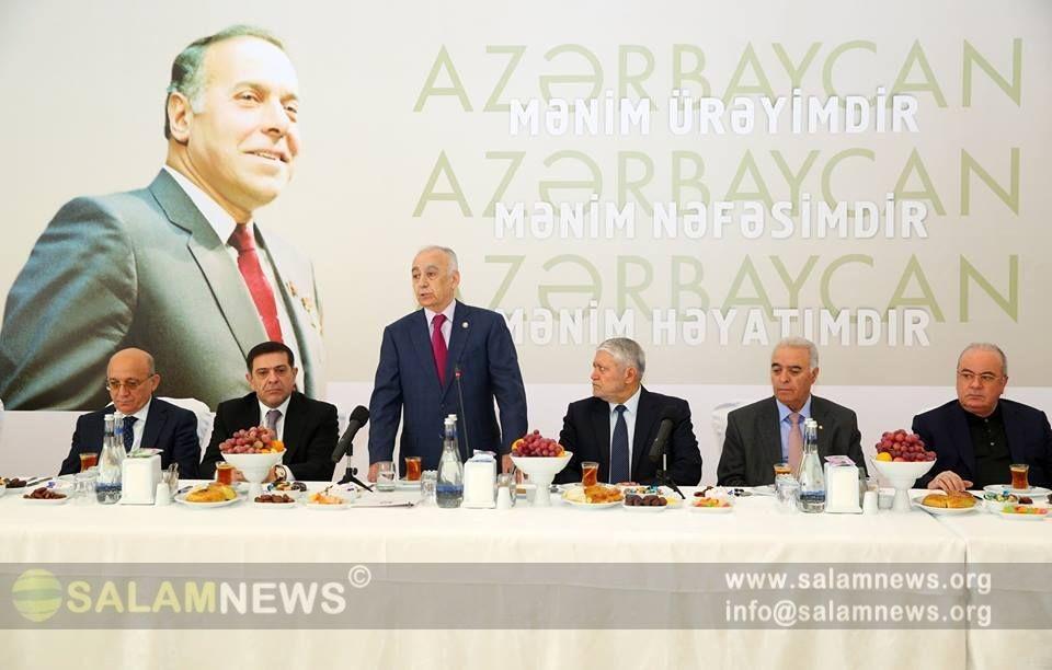 """В мечети """"Гейдар"""" дан эхсан в связи с днем памяти общенационального лидера Гейдара Алиева"""