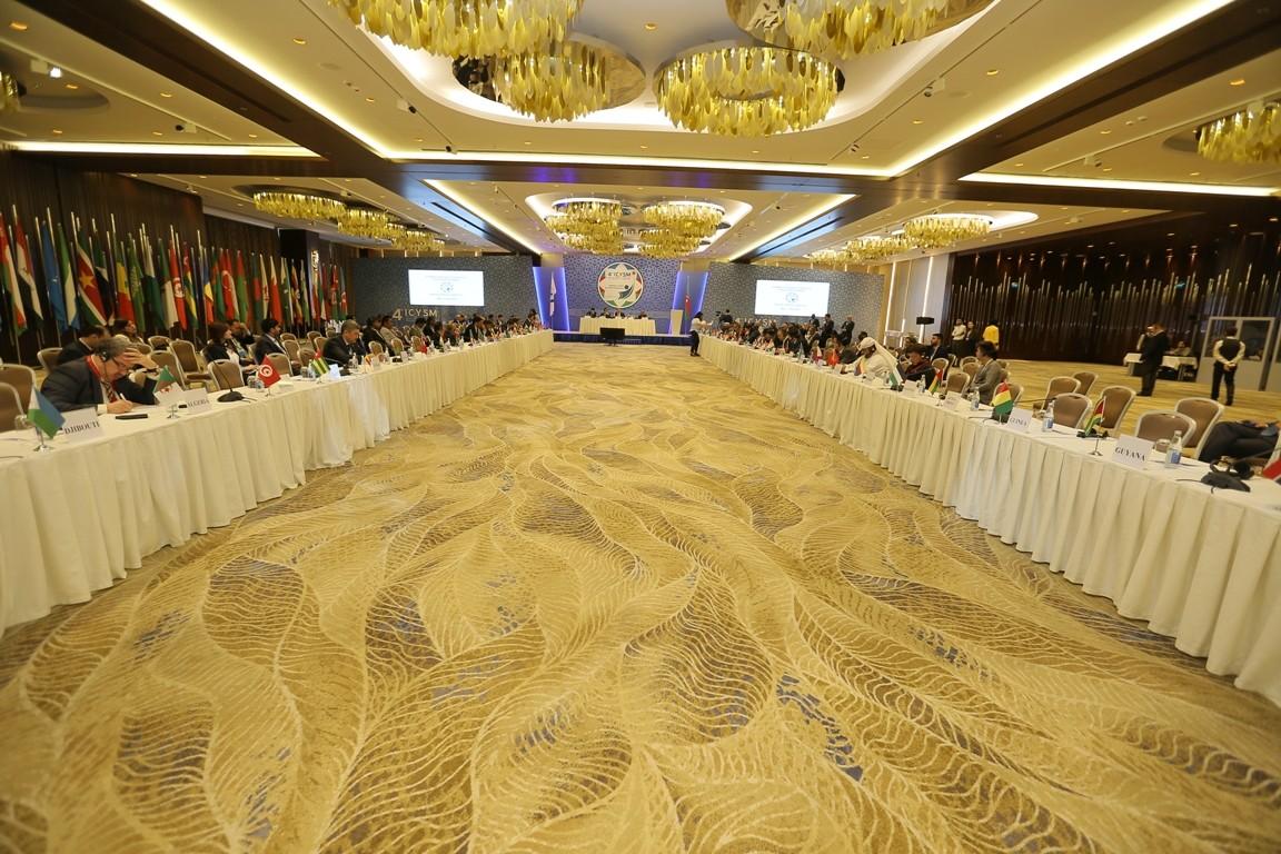 ЦИК Азербайджана представил вКС итоговый протокол