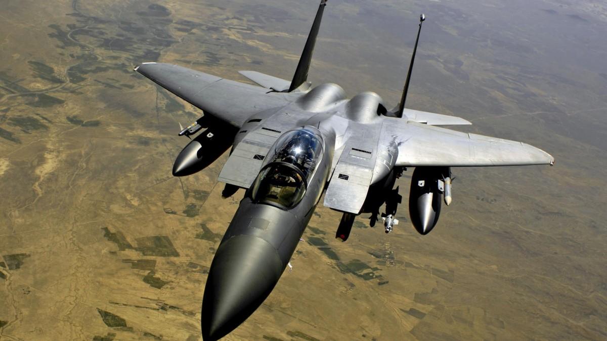 ВЮжной Корее военный самолет врезался вгору