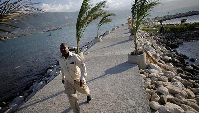 Сильнейший шторм десятилетия ударил поГаити