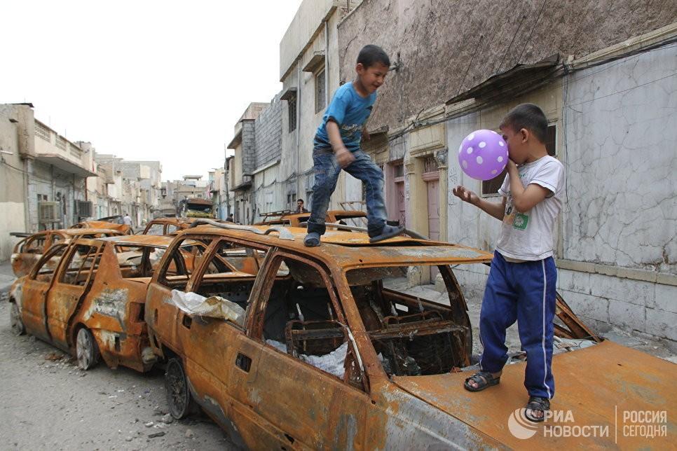Иракский чиновник предложил сбрасывать финики наМосул