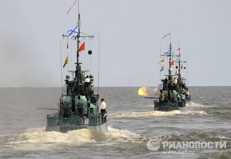 Корабли Каспийской флотилии вышли наочередные учения