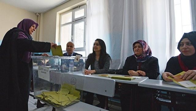 Референдум вТурции: оппозиция обратится вКонституционный суд