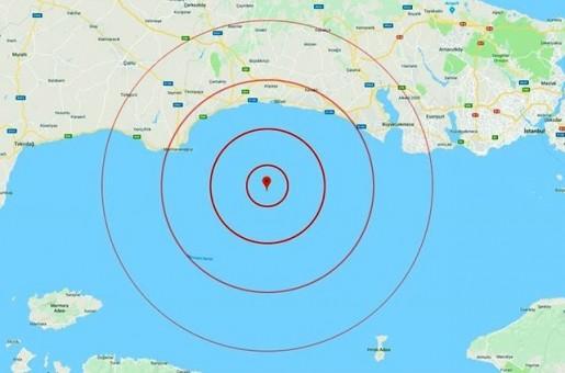 Недалеко от Стамбула произошло сильное землетрясение