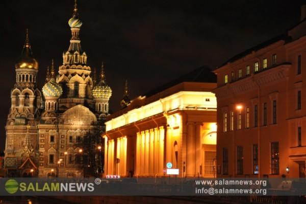 Sankt-Peterburqda gecə gəzintisi