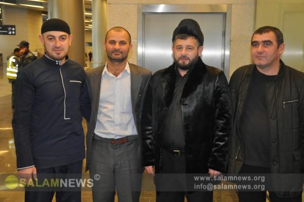 Группа азербайджанских паломников-россиян вернулась в Москву