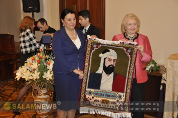 В Баку открылась выставка, посвященная 870-летию Низами Гянджеви
