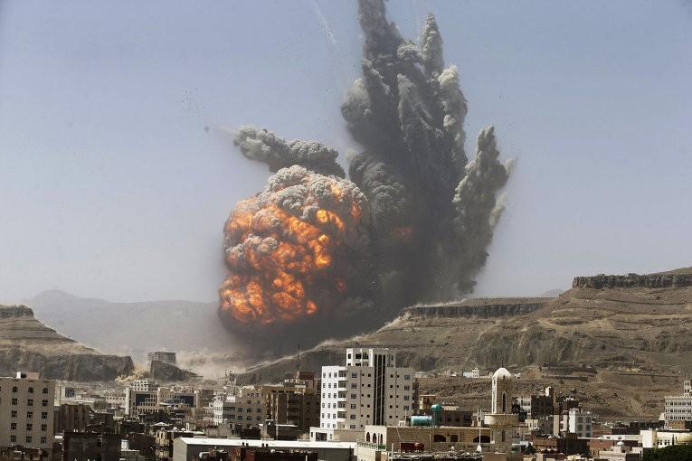 Разбомбленный саудовцами вЙемене отель спостояльцами показали навидео