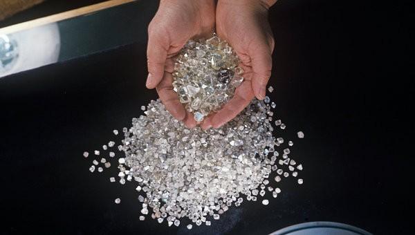 Индия первой вмире запустила алмазную биржу