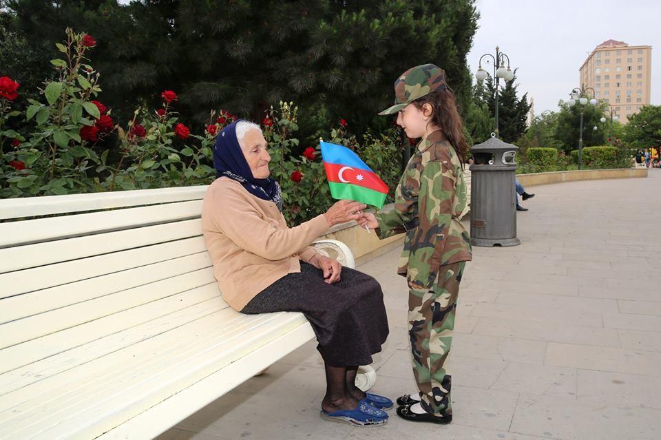 """""""Hərəyə bir bayraq verək"""" adlı aksiya keçirilib"""